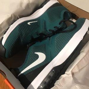 Brand New Philadelphia Eagles Nike Men's air max